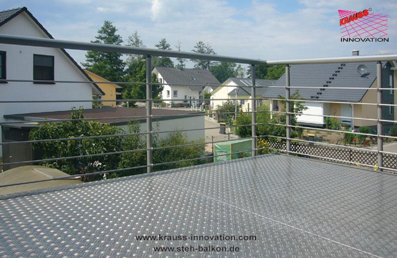 stehblakon aluminium douglasie edelstahl glasboden handlauf riffelblechbelag. Black Bedroom Furniture Sets. Home Design Ideas